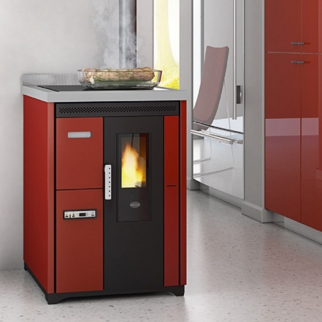 Eva Calòr Enrica pellet stove with oven and hob