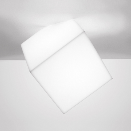 Artemide Design Collection wall/ceiling lamp EDGE 30Artemide Design Collection wall/ceiling lamp EDGE 30